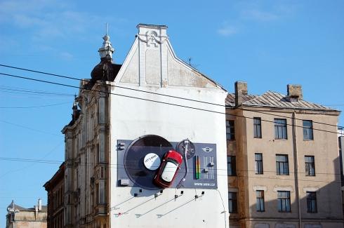 Let's Mini edificio publicidad